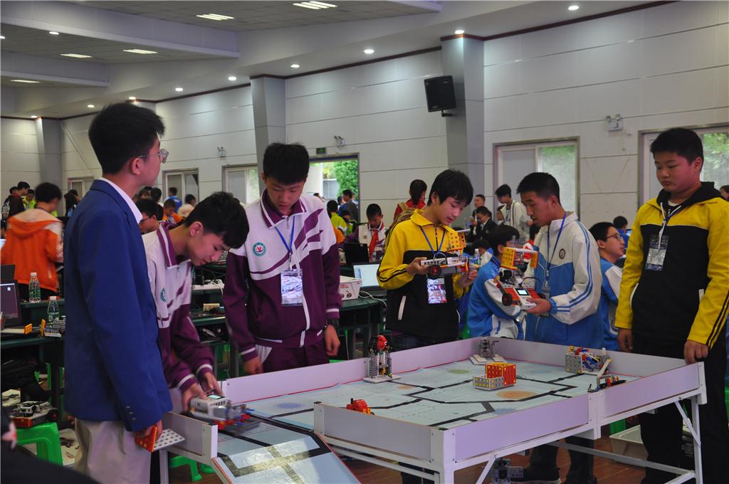 201805汉中市第二届机器人大赛 (3).jpg