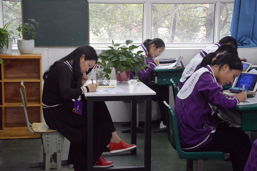 2家长进校园3.JPG