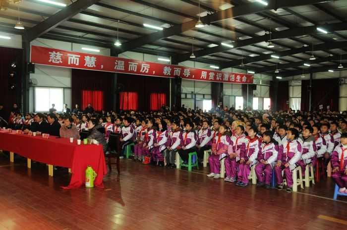 中市龙岗学校 圣诞歌曲合唱表演