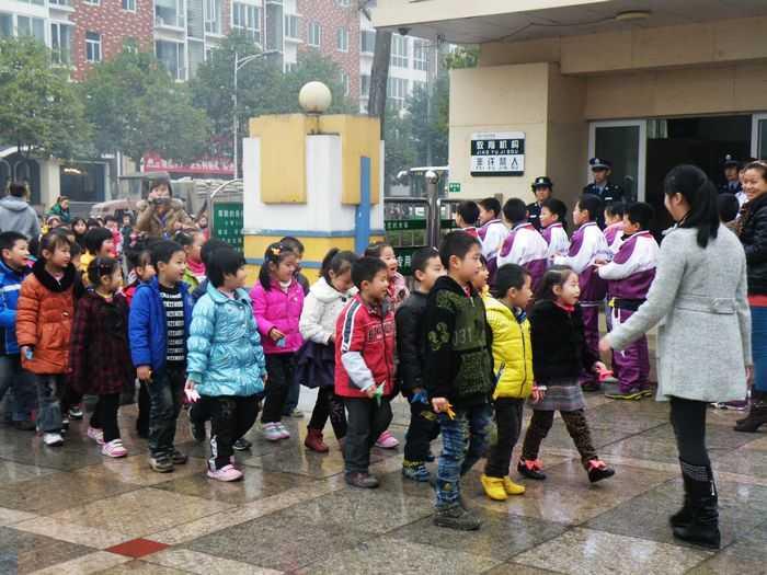 汉中市龙岗学校招聘_——汉中市龙岗学校小学部牵手龙岗幼儿园